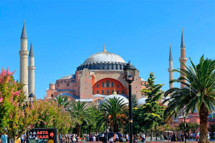 Самые дешевые туры в Турцию из Москвы