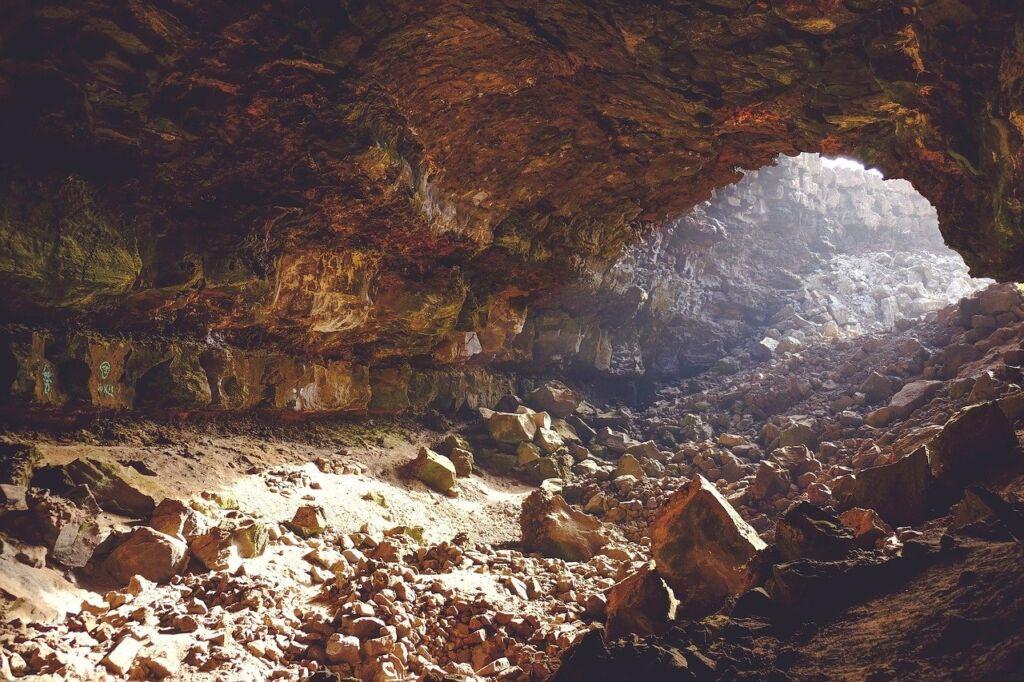 Пещера святого Ипатия в Гаграх